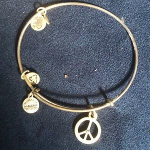 Peace sign bangle